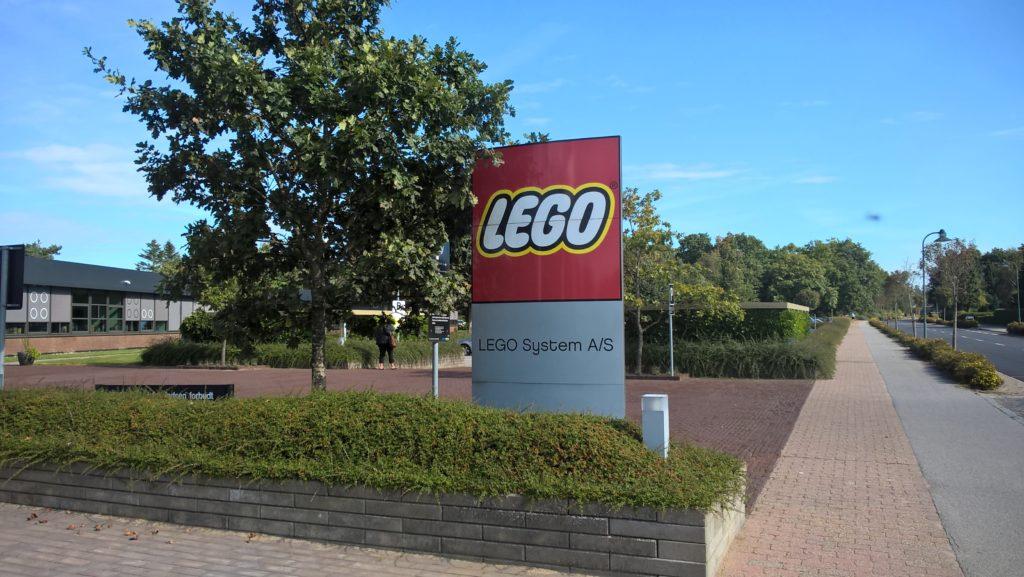 Wejście do siedziby LEGO