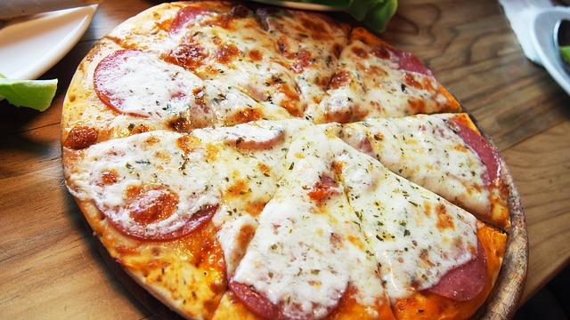 Pizza jest pyszna